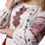 Украинские узоры, вышитые на рубашке